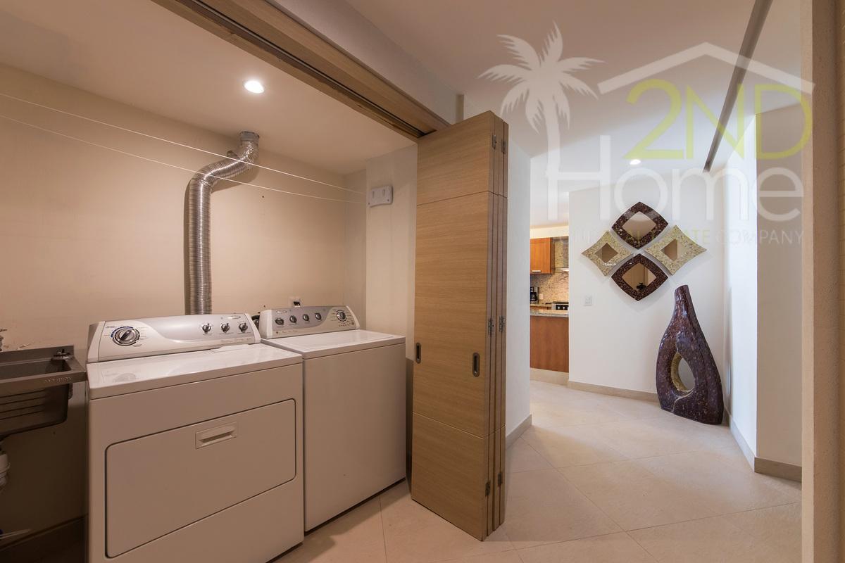 18 de 31: Delcanto 501-A laundry area