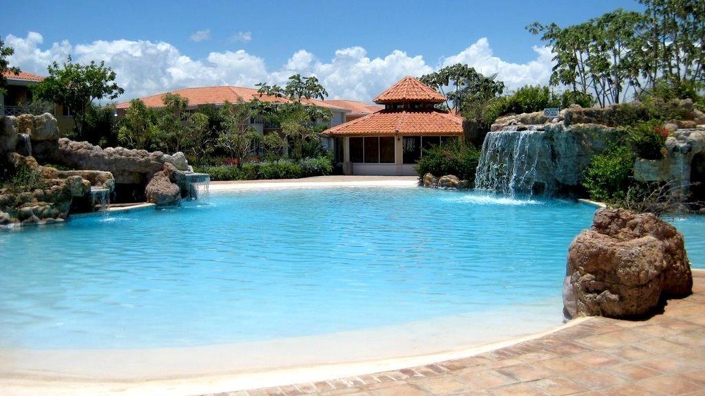 1 de 17: Vista de la piscina