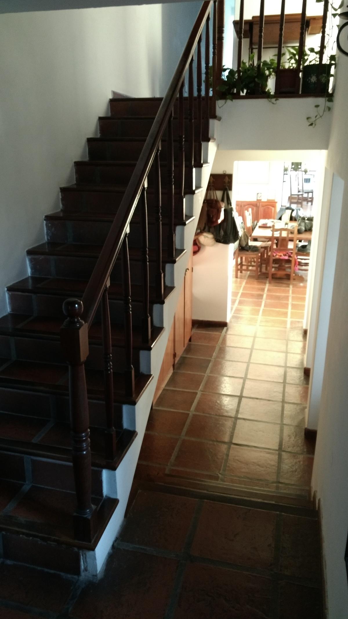 5 de 35: Escalera principal