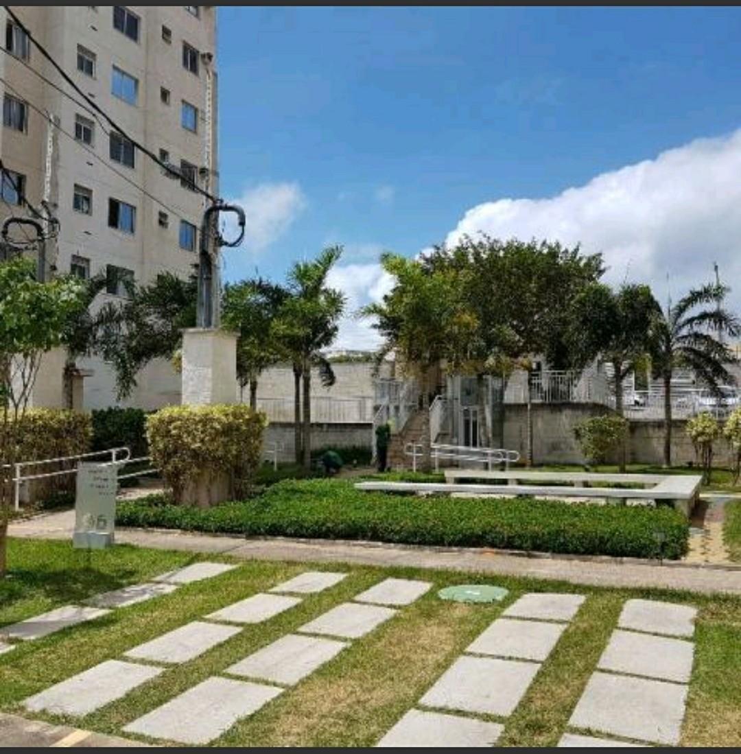 2 de 15: Vista para jardim do condomínio