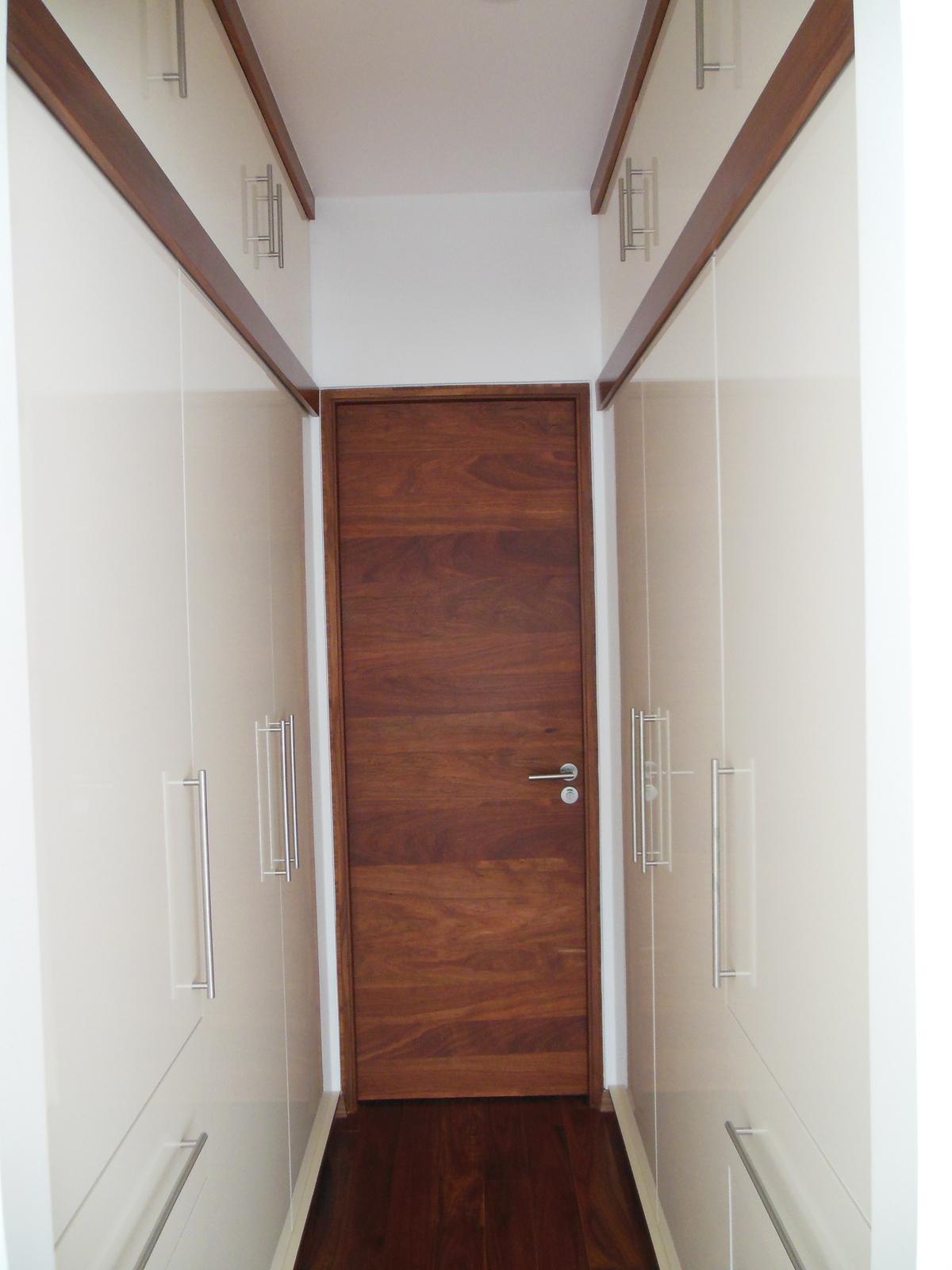 9 de 28: Closet Recámara Principal