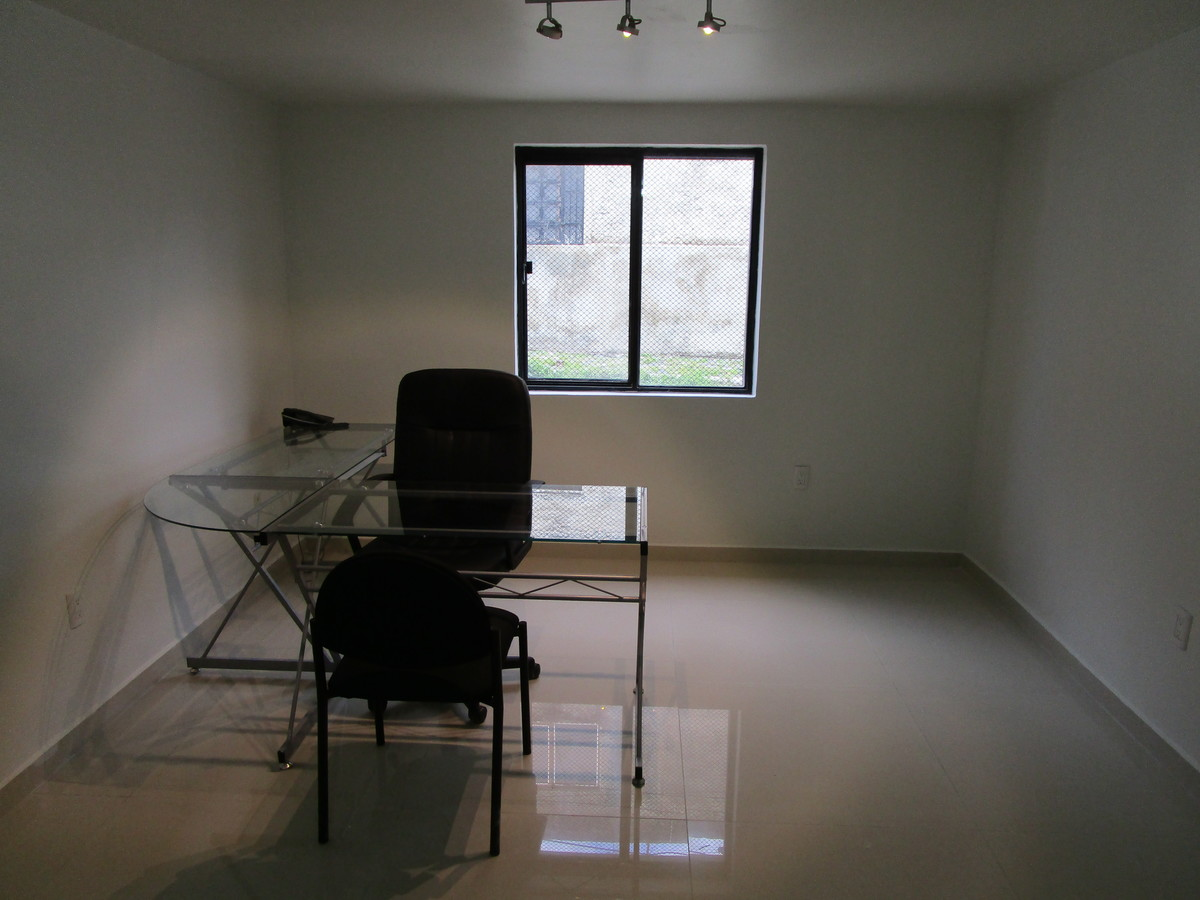 4 de 11: Oficina 2 planta baja