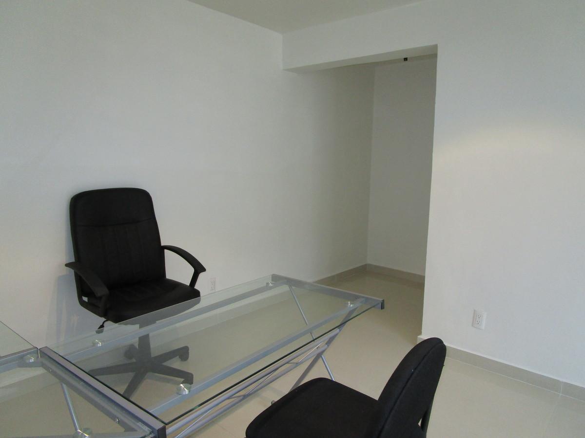 9 de 11: Oficina 2 planta alta