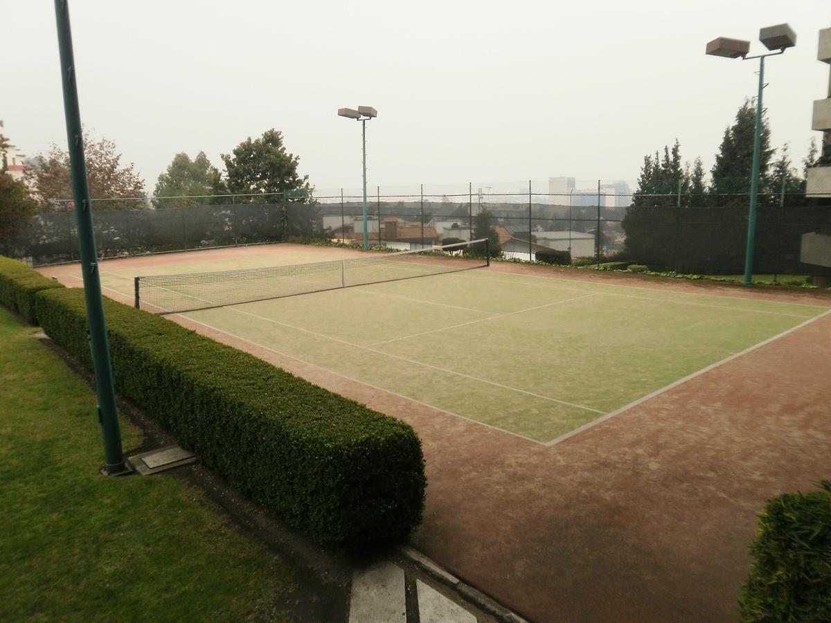 3 de 26: Cancha de Tenis