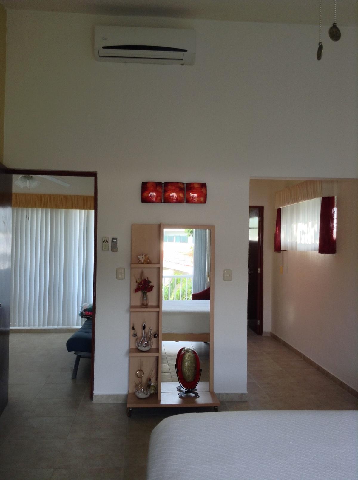 11 of 21: acceso a closts y baño recamar principal