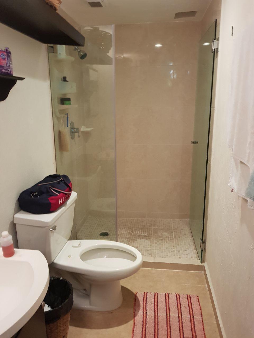7 de 15: Baño principal.