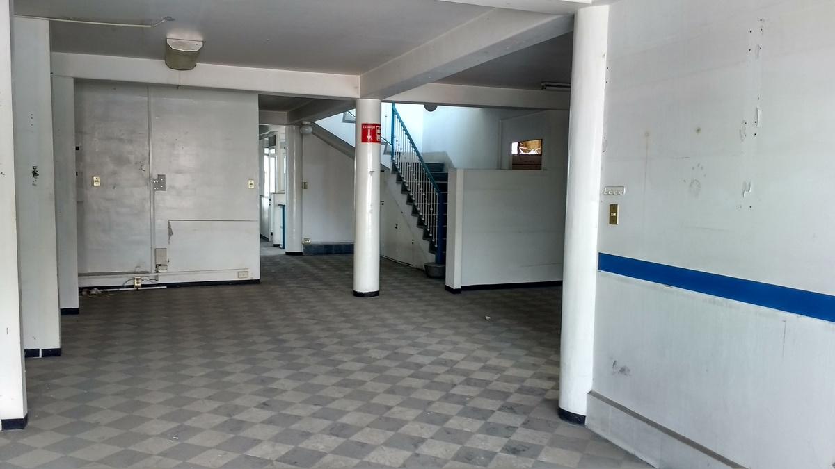 4 de 16: Segundo piso área común