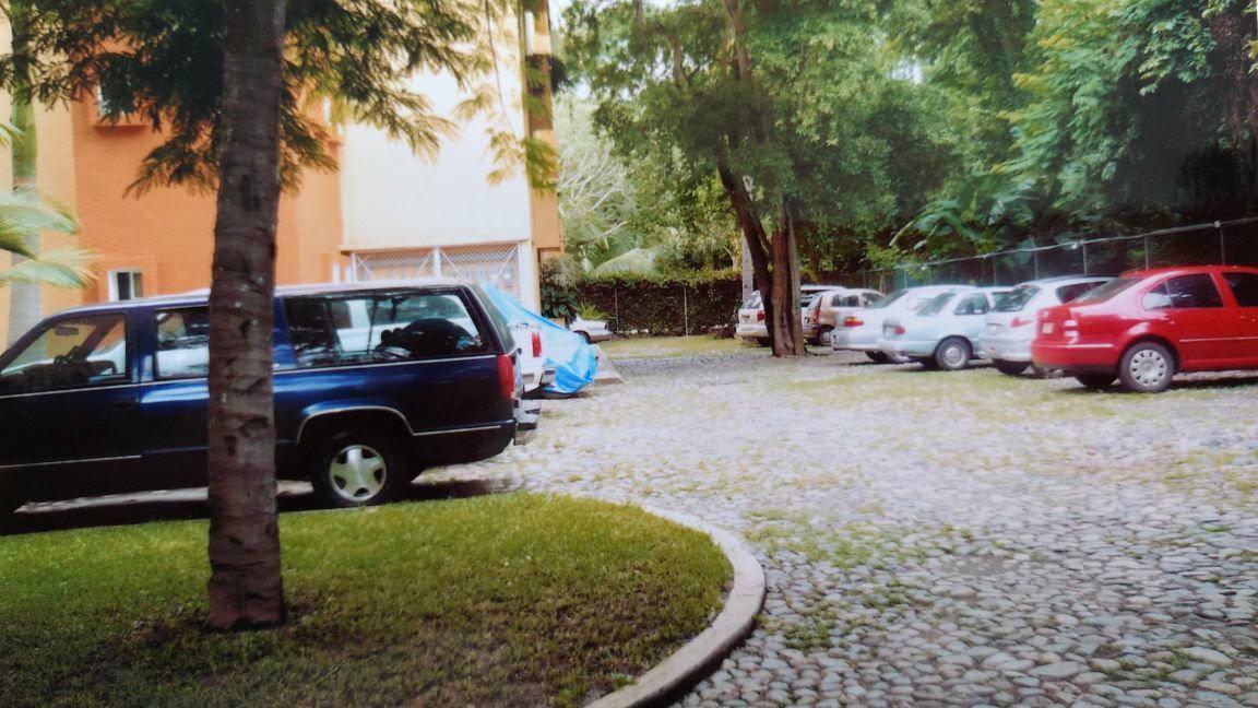 15 de 16: Estacionamiento