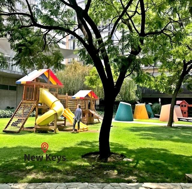 26 de 35: Área de Juegos Infantiles