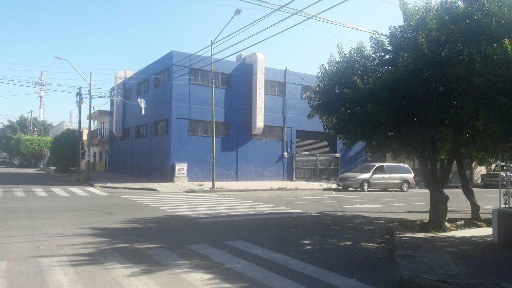 1 de 10: esquina Pedro Maria Anaya