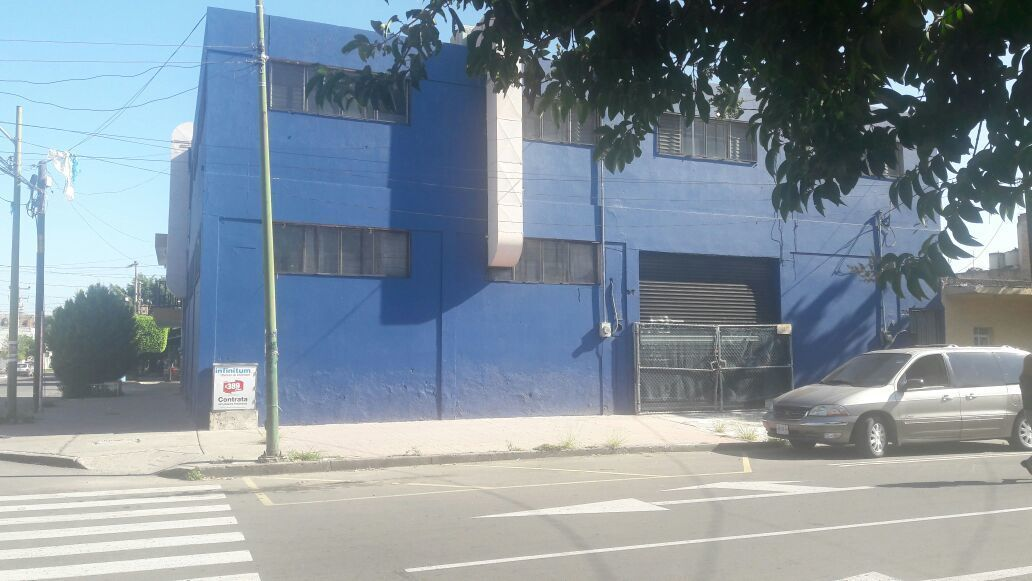 3 de 10: calle Pedro maria anaya