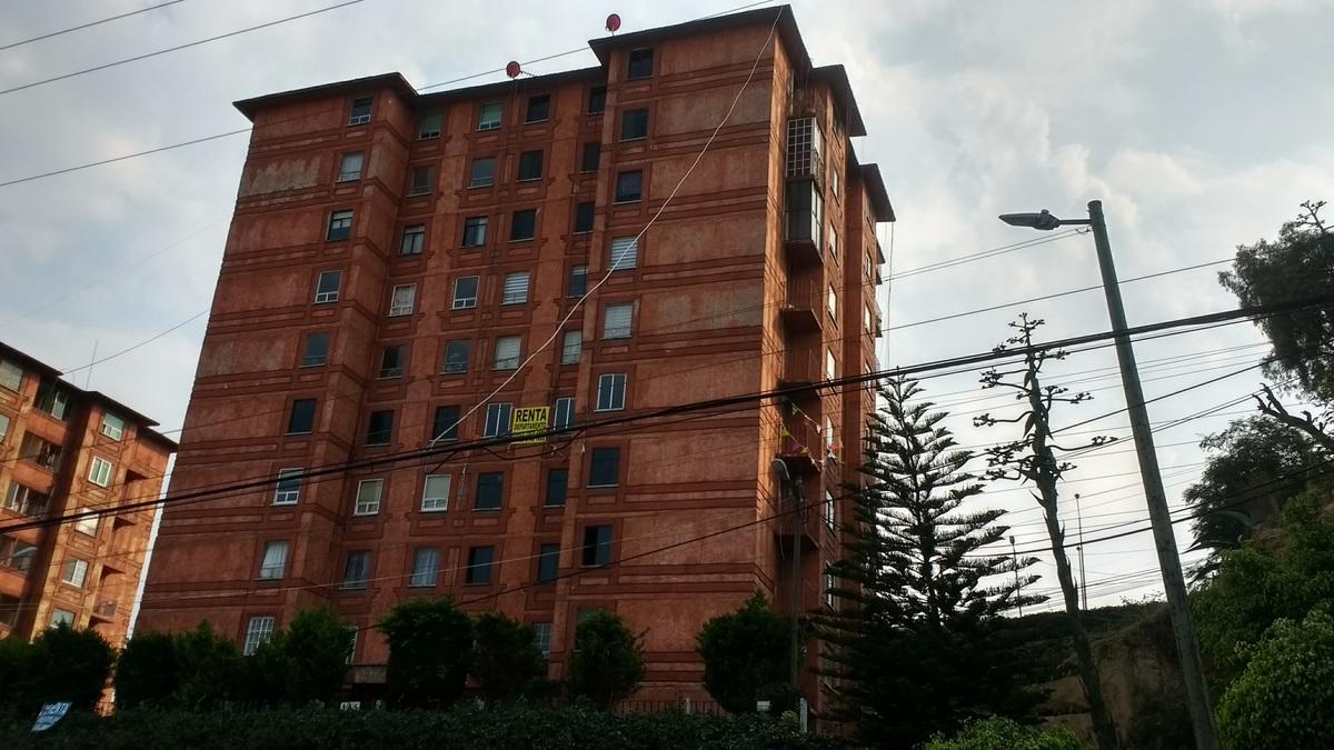 2 de 8: Edificio.