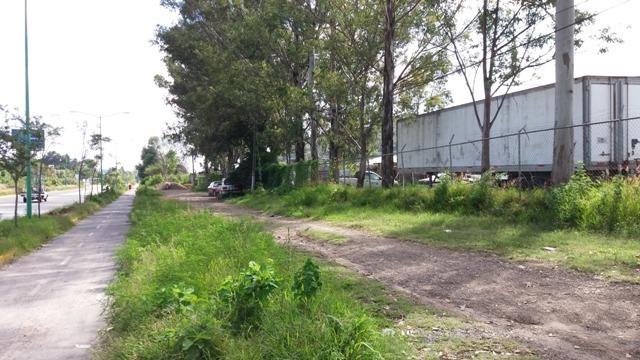 1 de 9: Frente del terreno