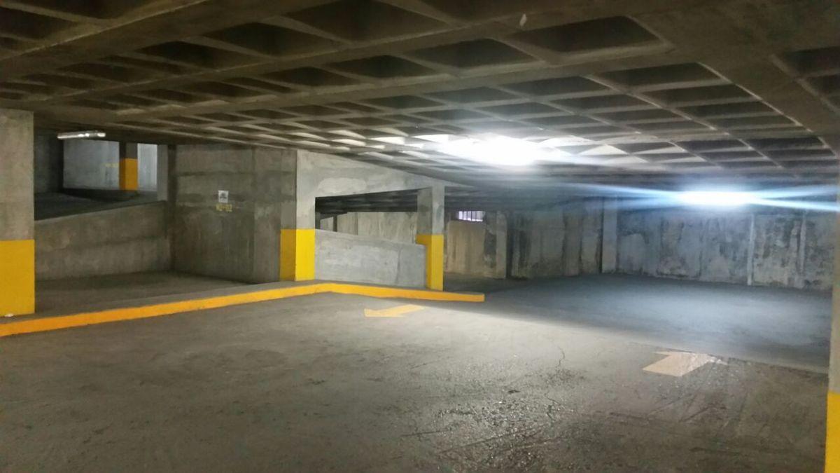 16 de 19: Rampa del estacionamiento
