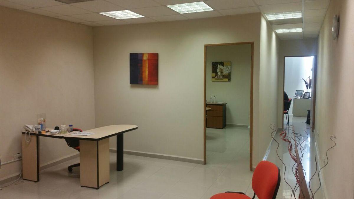 4 de 19: Interior de la oficina