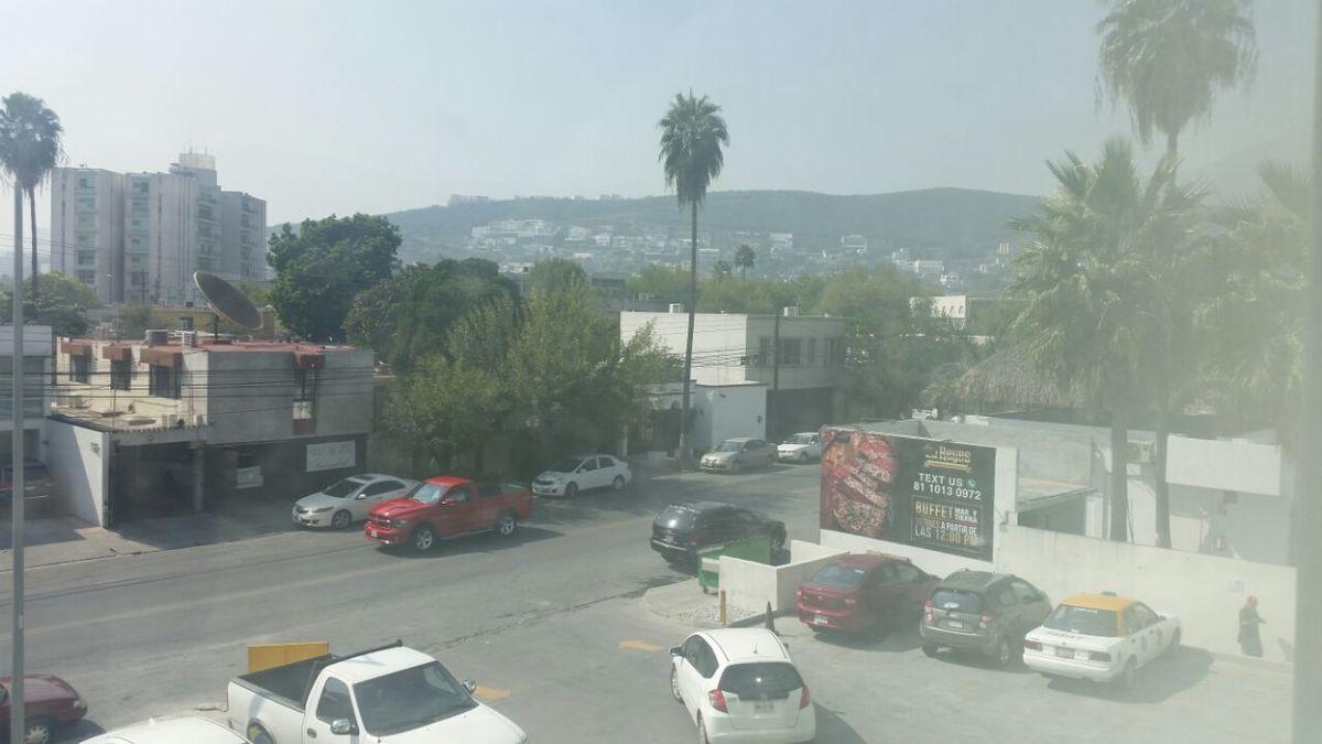 10 de 19: Vista al exterior desde la oficina