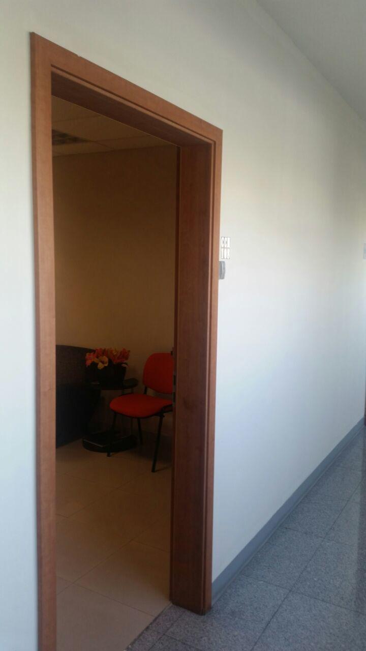 3 de 19: Entrada a la oficina