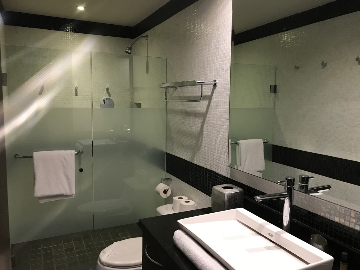 6 of 28: large bathroom