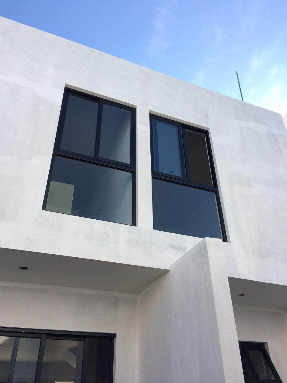 13 de 18: Colocación de marcos y ventanas