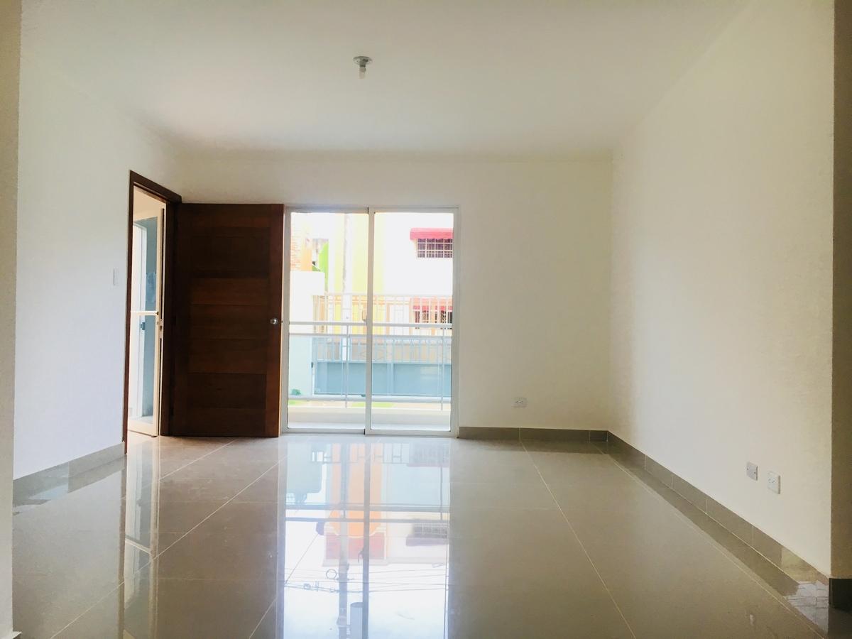 Aut de san isidro apartamento de 3 habitaciones en for Habitaciones en alquiler