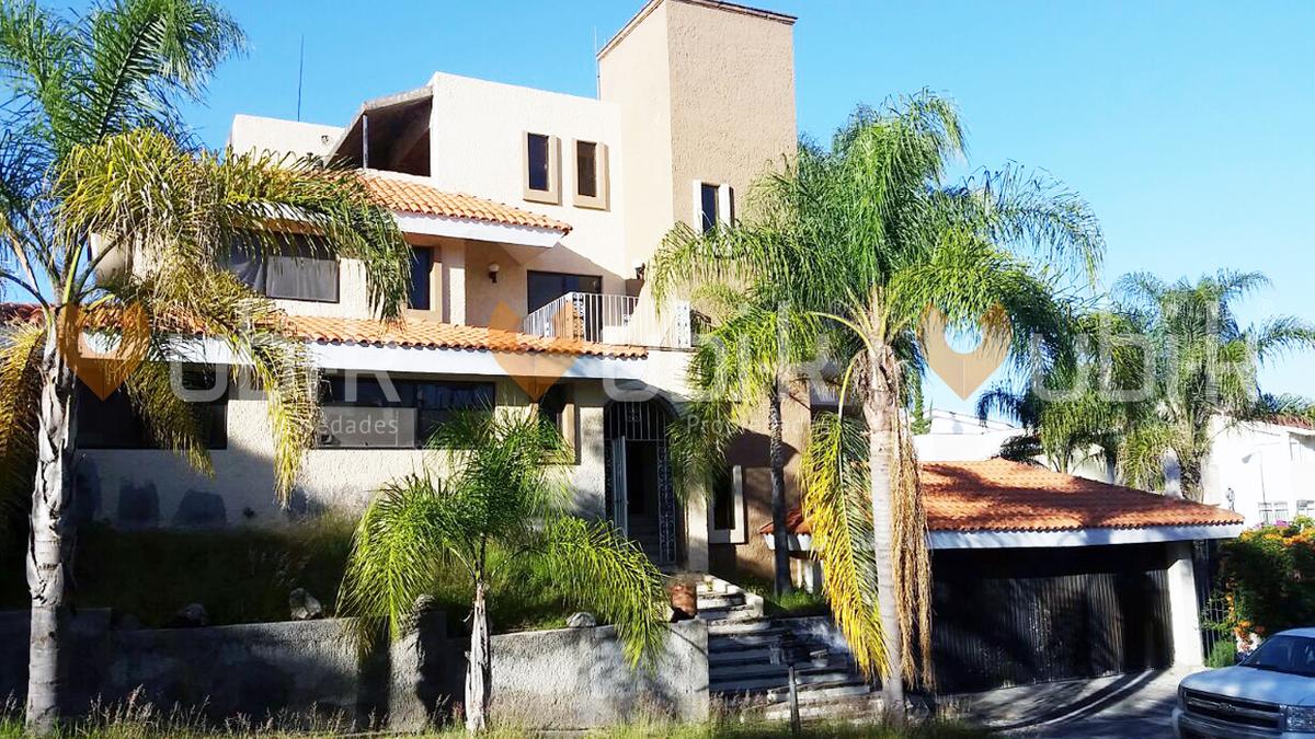 Casa En Venta Fraccionamiento Bugambilias Zapopan 3