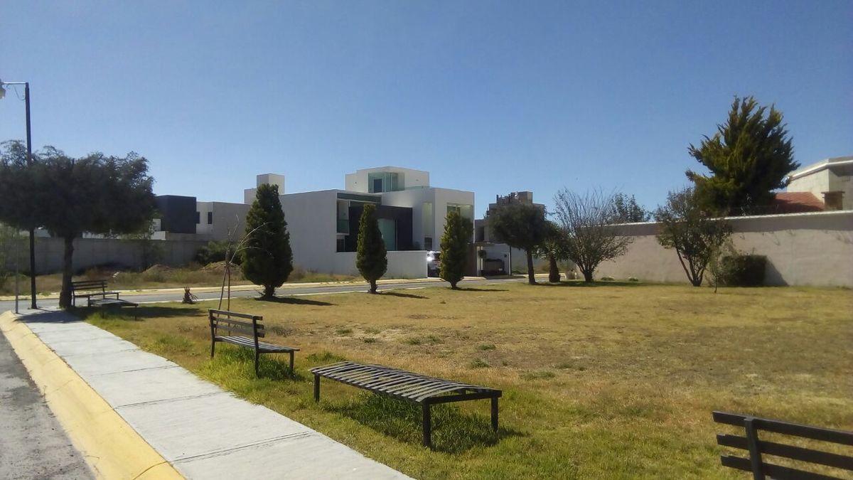 9 de 11: Terreno residencial en venta. Privada con áreas verdes
