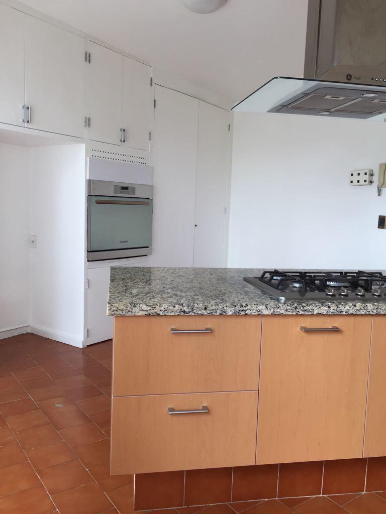 16 de 19: vista parcial de la cocina