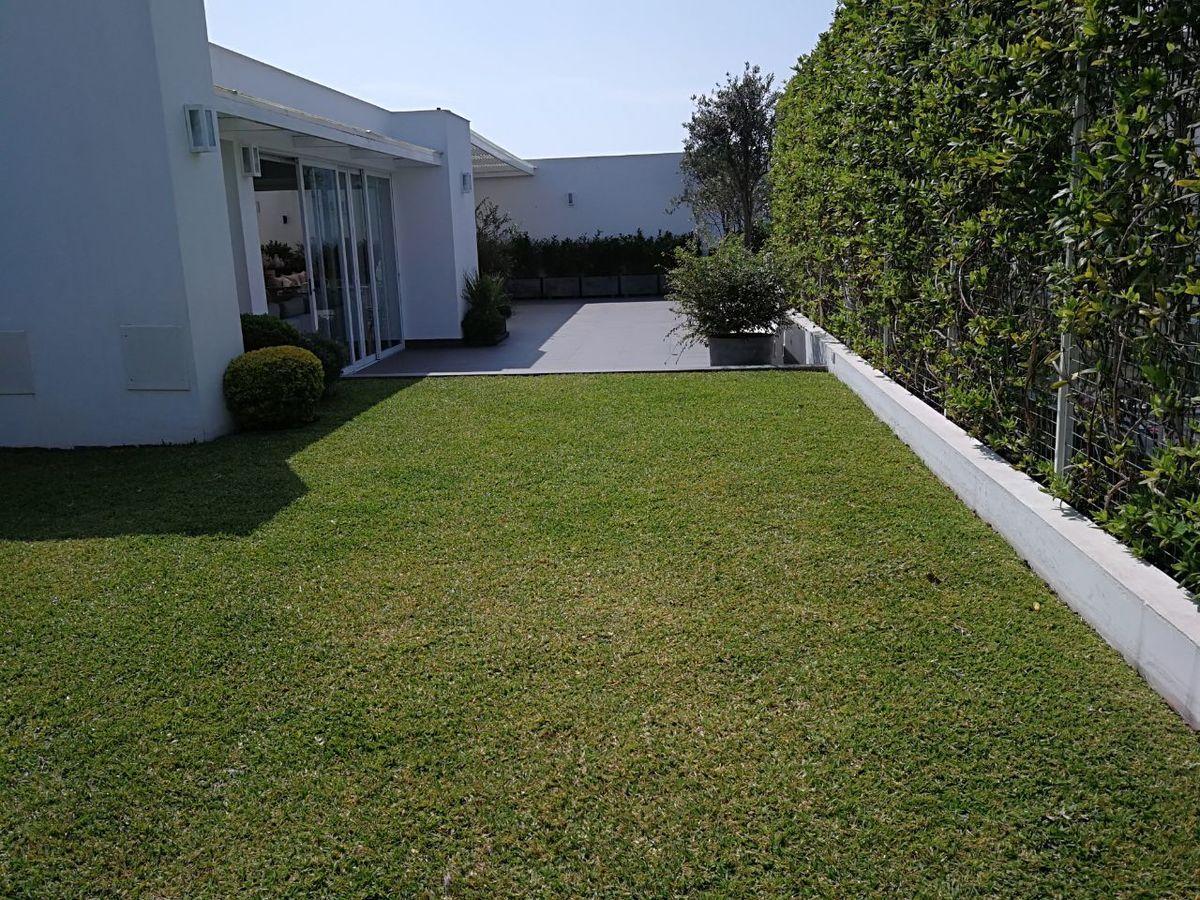 1 de 41: Maravilloso jardín propio con pasto! Apto para piscinita...