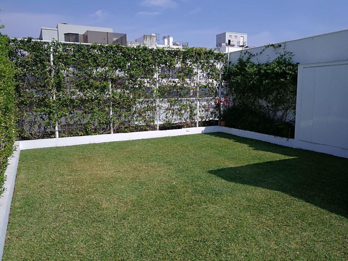 11 de 41: Maravilloso jardín propio con pasto! Apto para piscinita...