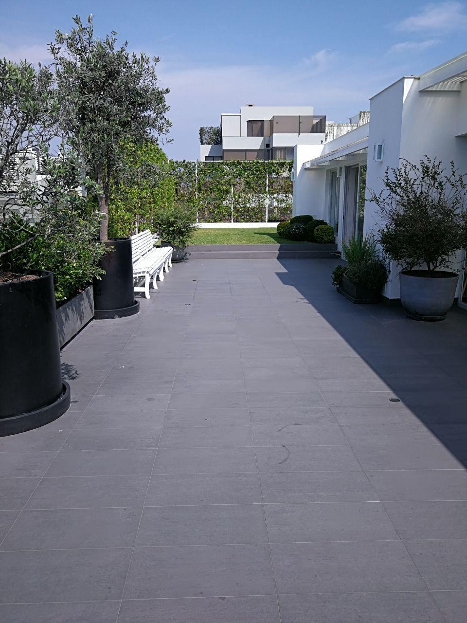 12 de 41: Maravillosa Terraza con Jardín y BBQ...apto para piscinita