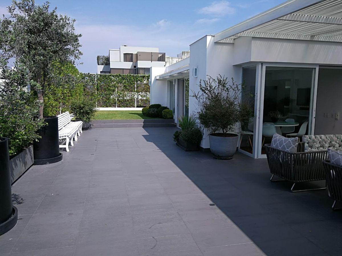 10 de 41: Maravillosa Terraza con Jardín y BBQ