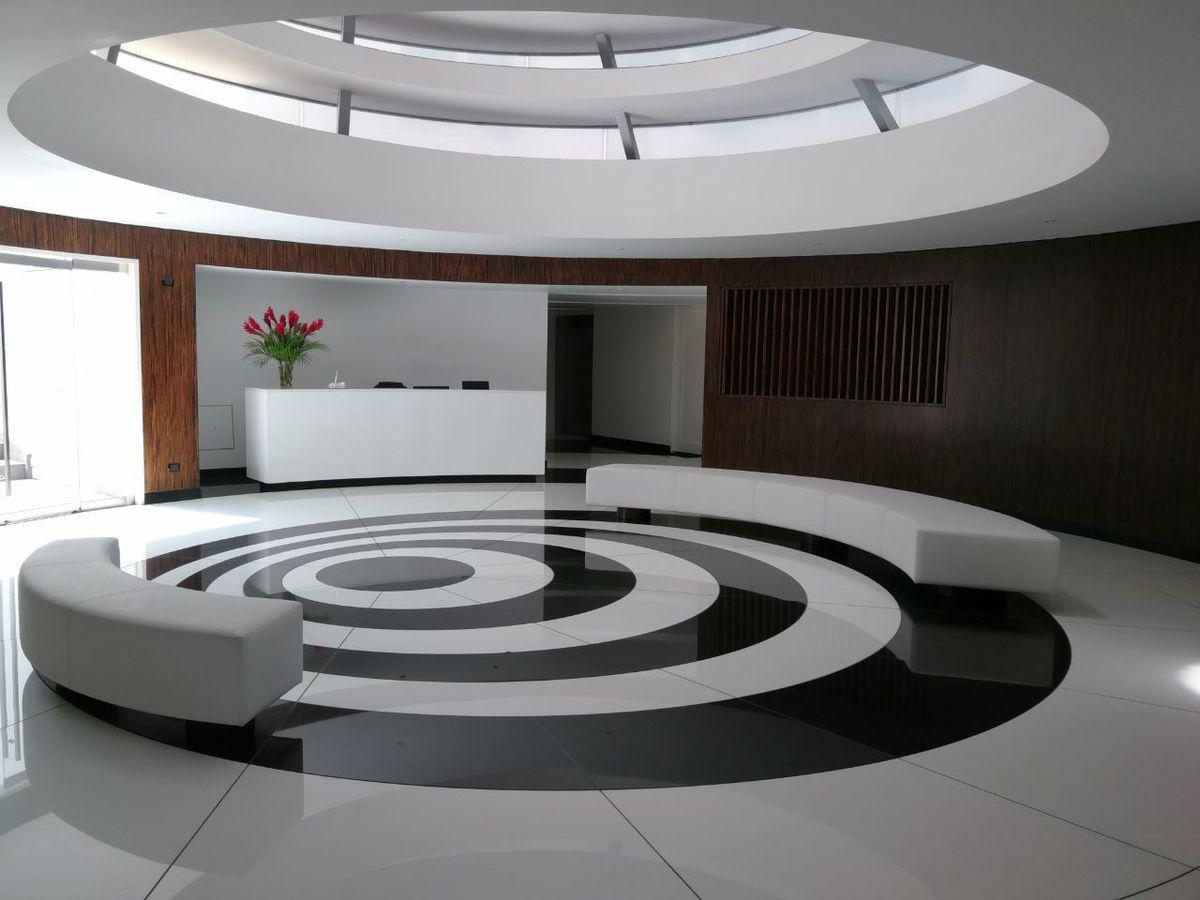 36 de 41: Impresionante Lobby moderno
