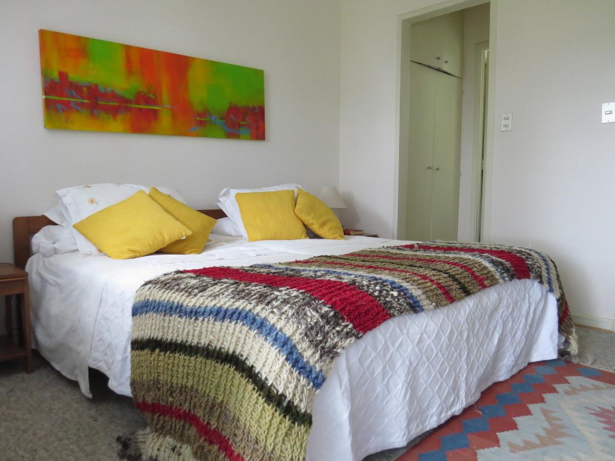 10 de 27: Dormitorio principal en suite
