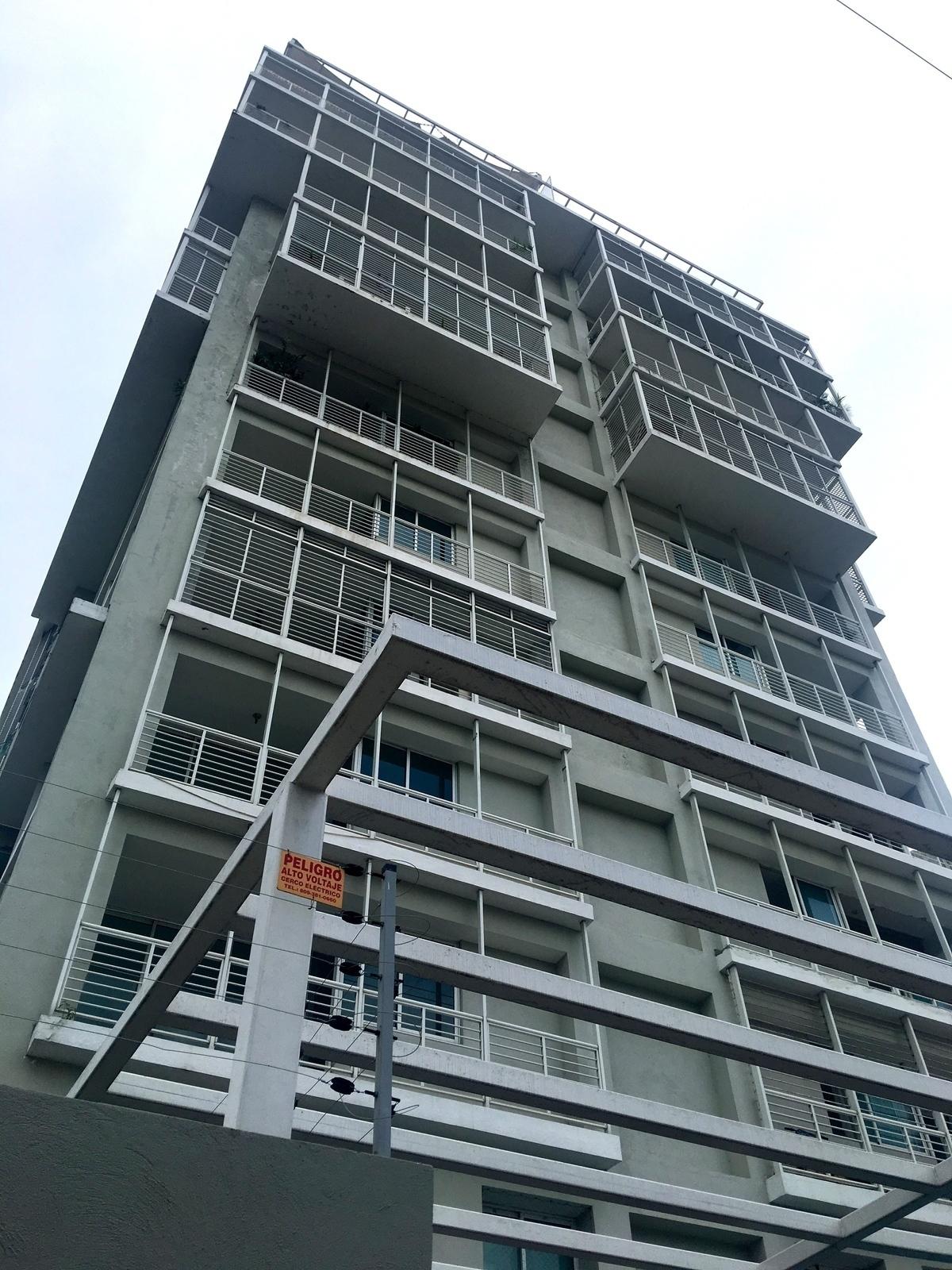 2 de 23: Fachada del Edificio