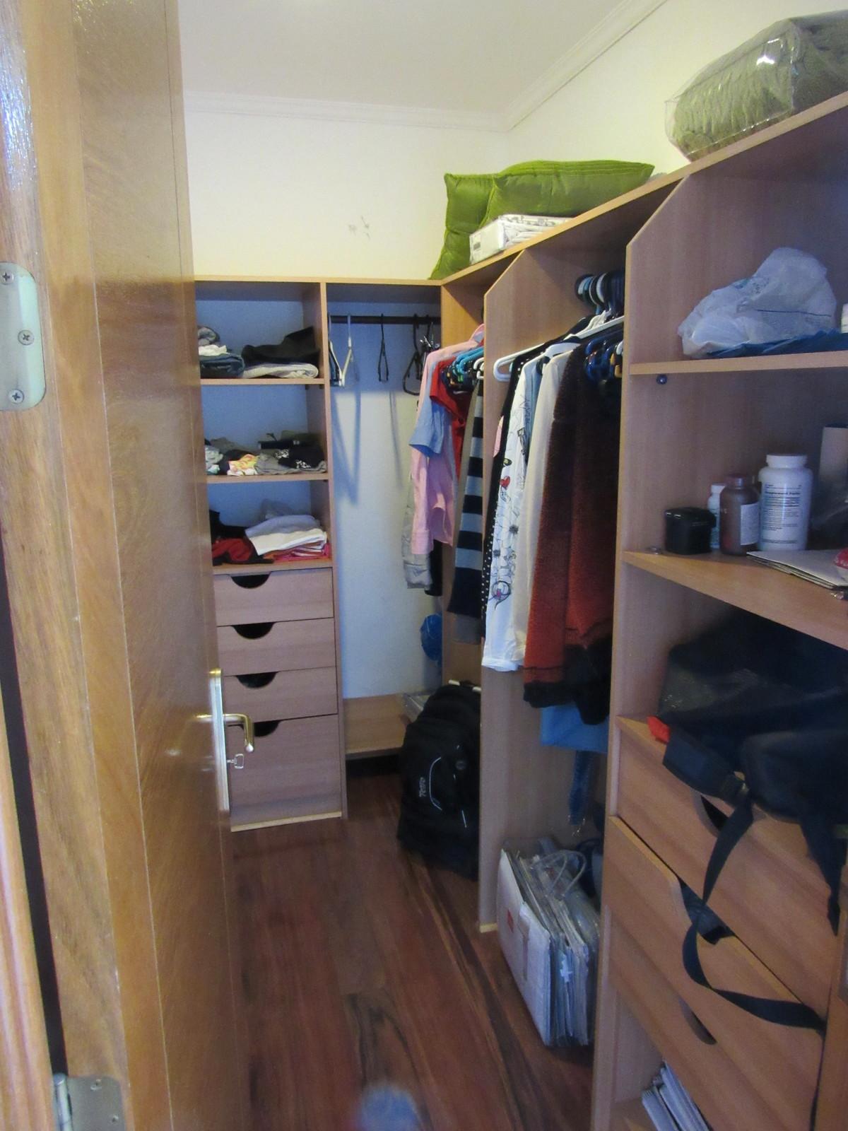 7 de 16: Closet del Dormitorio Principal
