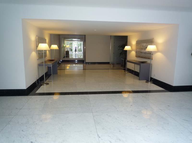 34 de 37: Lobby del Edificio