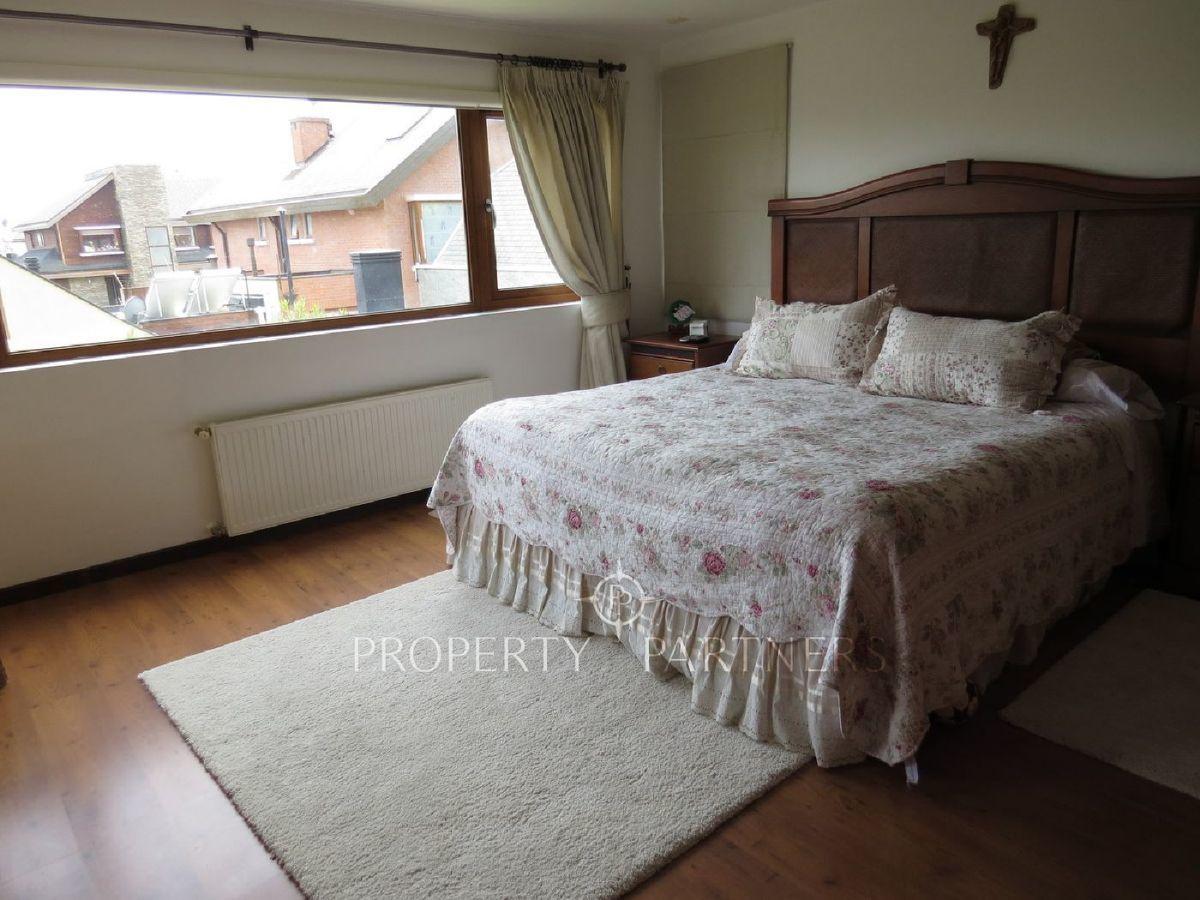 10 de 22: Dormitorio principal en suite