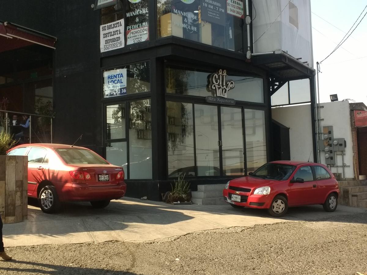 1 de 6: Viste desde calle Adolfo Ruiz