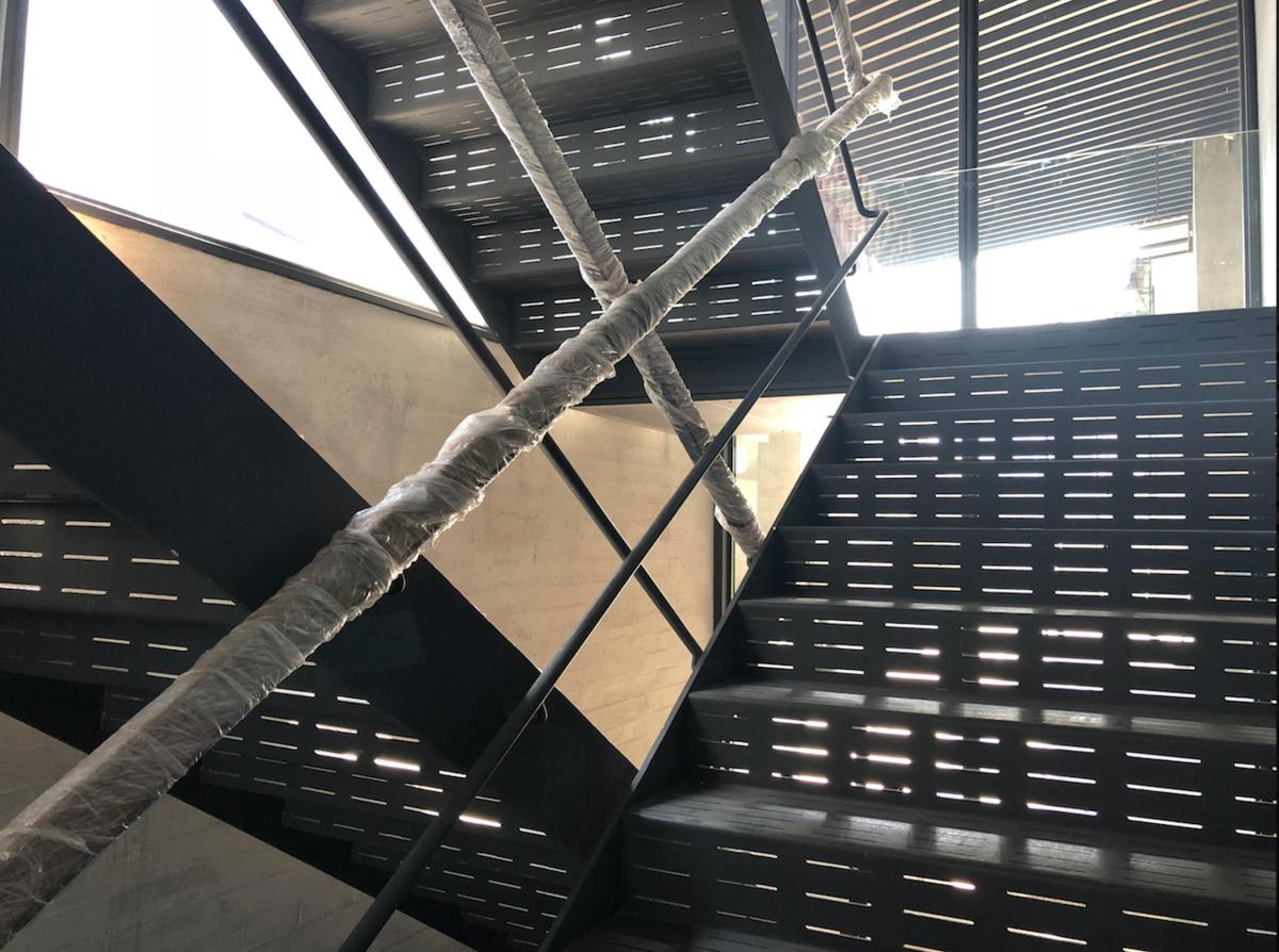 15 de 21: escaleras de emergencia