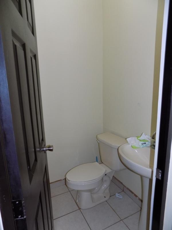 11 de 32: medio baño planta baja