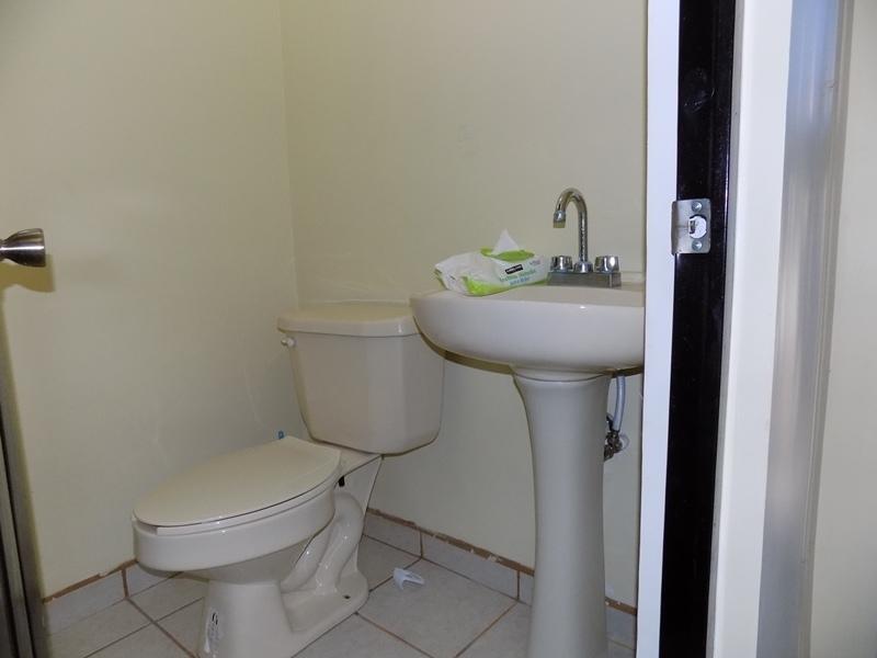12 de 32: medio baño planta baja