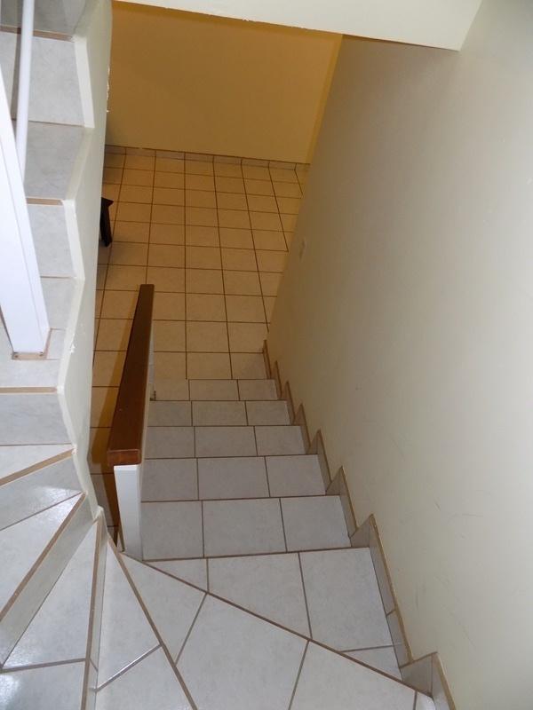 26 de 32: escaleras