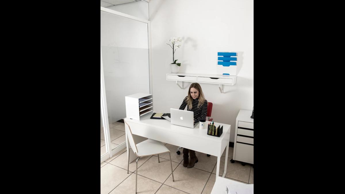 2 de 9: Oficinas Equipadas