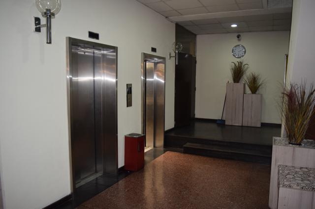 1 de 8: Hall Acceso primer nivel