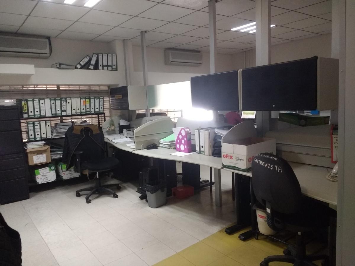 12 de 15: Área trabajo#1 de trabajo para 6 colaboradores