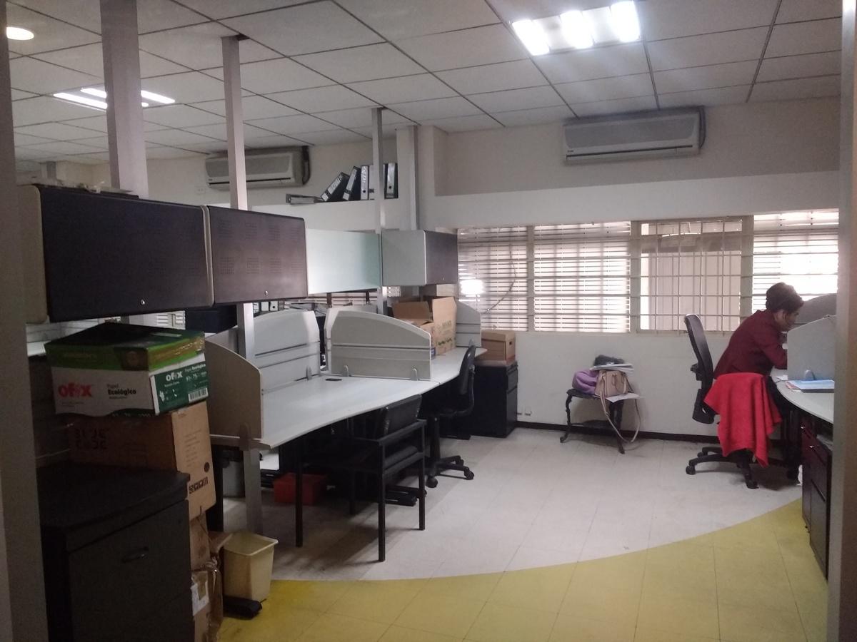 14 de 15: Area de trabajo #2 para 4 colaboradores