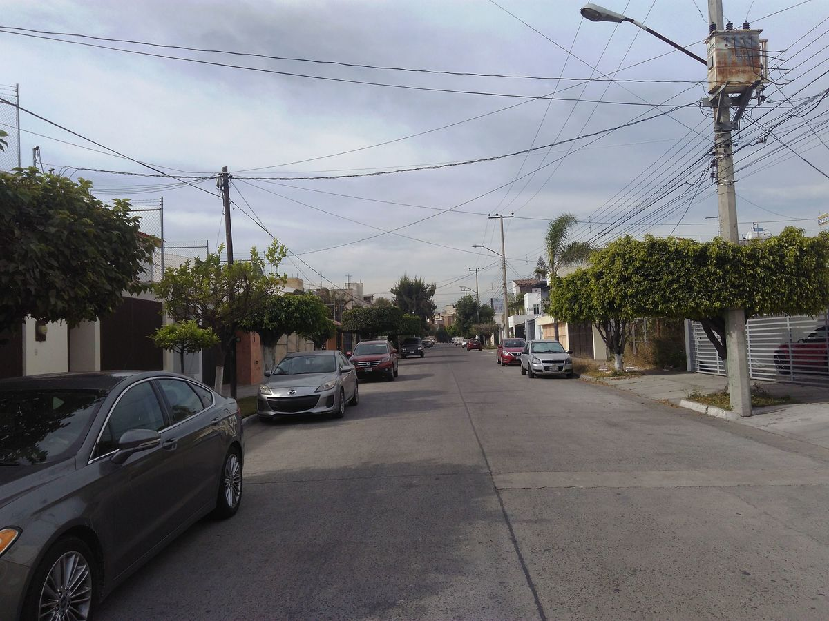 2 de 21: Vista Calle