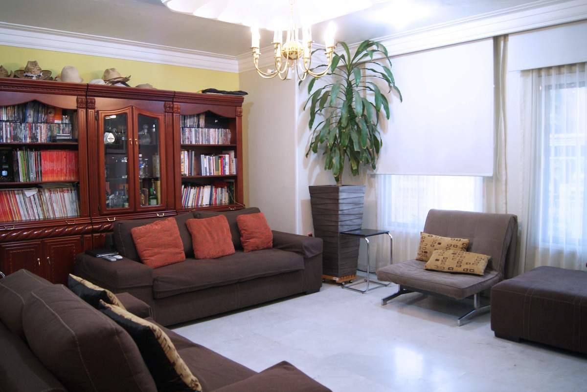 Casa Y Terreno En Venta 1ra Secci N De Bugambilias # Muebles Karen Collignon
