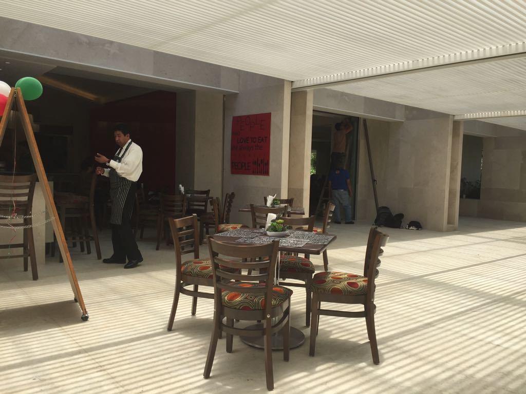 36 de 48: Cafeteria Casa Club