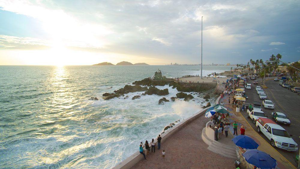 8 de 13: A solo 5 min. de Playa Olas Altas